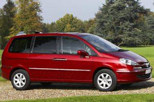 Usterka wspomagania kierownicy w Citroenach C8 i Jumpy oraz Peugeotach 807 i Expert