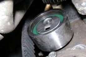 Montaż napinacza oraz zestawu rozrządu w silnikach wysokoprężnych PSA