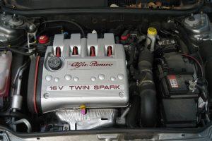 Nietypowe awarie: gazująca Alfa Romeo 145 – rozwiązanie