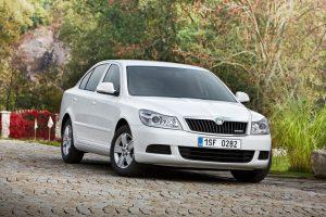 Słabe wyniki sprzedaży nowych samochodów w grudniu 2012