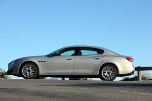 Nowe Maserati Quattroporte z oponami Dunlop