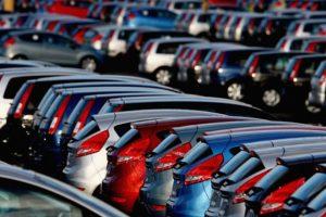 Sprzedaż samochodów osobowych: spadek wEuropie, wzrost w Polsce