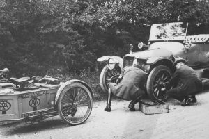 Historia assistance i automobilklubów