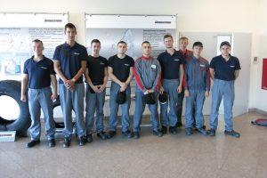 Uczniowie zdobyli doświadczenie w Bridgestone