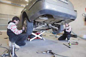 Kontakt z klientem istotny dla mechaników – wyniki ankiety