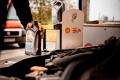 Co płynie w oleju silnikowym?
