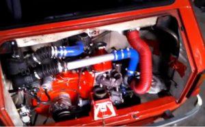 Posłuchaj jak brzmi silnik Malucha w… wersji Turbo!
