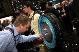 Bridgestone na Geneva Motor Show 2016