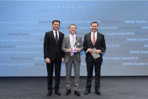Producent lakieru uhonorowany przez Daimler AG