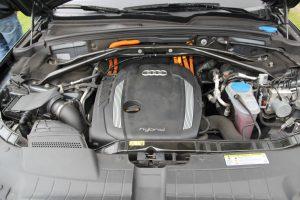 Auta elektryczne i hybrydowe zwolnione z akcyzy – co to zmieni? Niewiele…