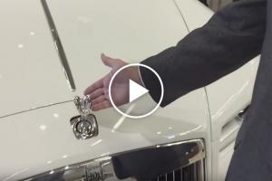 Jak zabezpieczony jest znaczek Rolls-Royca