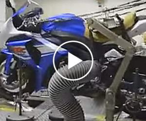 Tak testowane jest zawieszenie w motocyklu