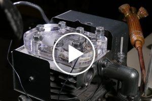Zbudował przezroczysty silnik i nagrał jego pracę. Zobacz efekt.