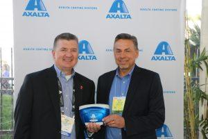 Axalta świętuje sprzedaż 40 tysięcy spektrofotometrów