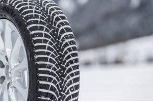 Oznaczenia na oponach samochodowych – jak je odczytywać?