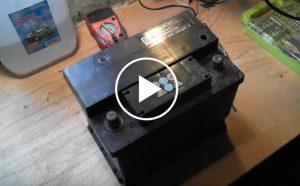 Garażowa metoda naprawy akumulatora [Film]