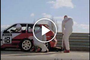Zabawna reklama klucza udarowego do kół [Film]