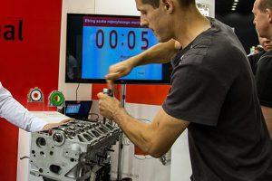 Elring szuka najszybszego mechanika