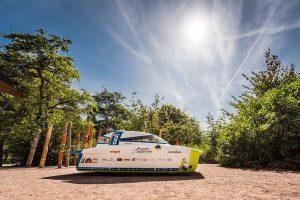 Punch Powertrain Solar Team wBridgestone World Solar Challenge w barwach Cromax