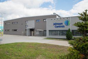 Johnson Controls sprzeda biznes akumulatorowy