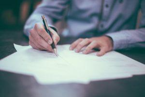 Prawne aspekty sukcesji – jak przekazać swój biznes?