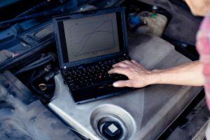 Montaż haka holowniczego a działanie układu ESP