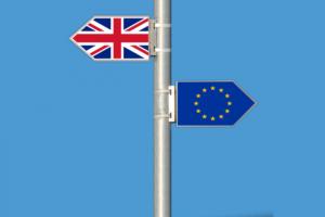 Branża motoryzacyjna: twardy Brexit to dwa razy większe koszty homologacji