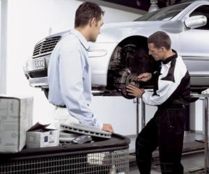Czy klient może być obecny przy naprawie samochodu?