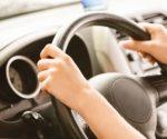 Wibracje na kole kierownicy. Co może być ich przyczyną?