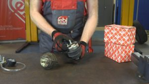 febi: Górne mocowanie kolumny amortyzatora