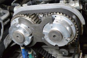 Instrukcja wymiany paska rozrządu w Fordzie Focus/C-Max 1.6 Ti o kodzie silnika HXDA, SIDA