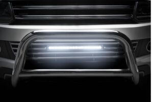 Jak montować oświetlenie dodatkowe pojazdu? Przepisy, normy prawne, limity.