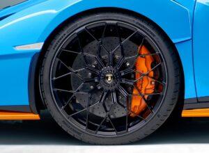 Lamborghini Huracán STO wyposażony w opony Bridgestone